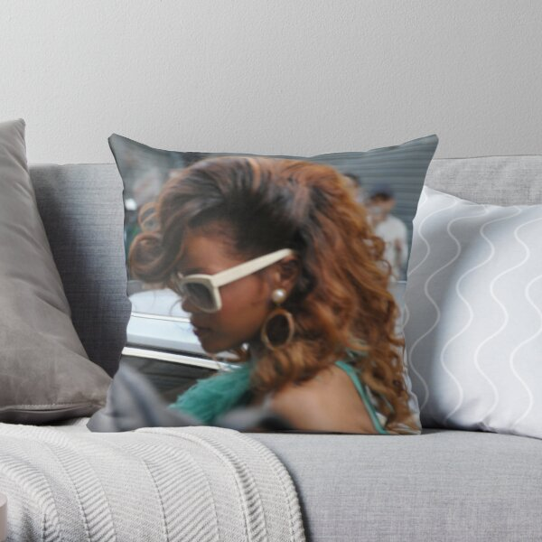 Rihanna @ House Of Frazier Oxford Circus Throw Pillow