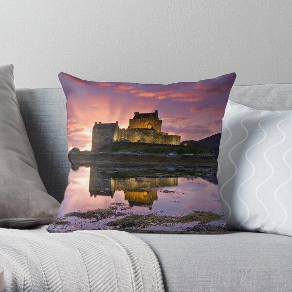 Scotland: Eilean Donan Castle Throw Pillow