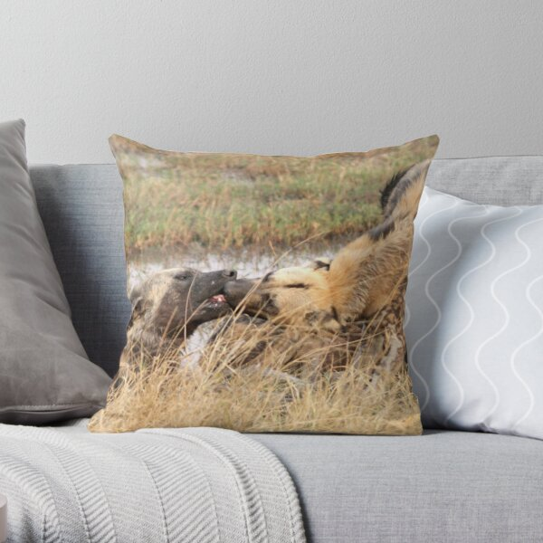 Kissing dogs Throw Pillow