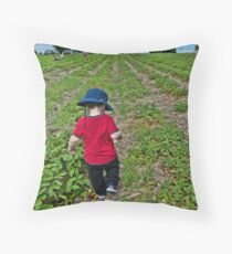 In a strawberry field Throw Pillow