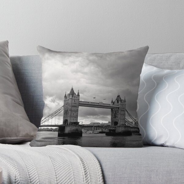 A brewing storm - Tower Bridge - London - Britain Throw Pillow