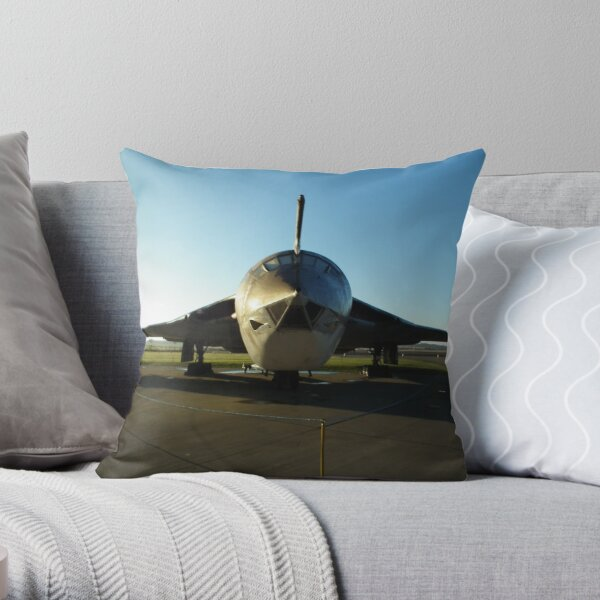 Handley-Page Victor Throw Pillow