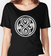 Seal of Rassilon - Classic Doctor Who - White on Black (Distressed) Women's Relaxed Fit T-Shirt