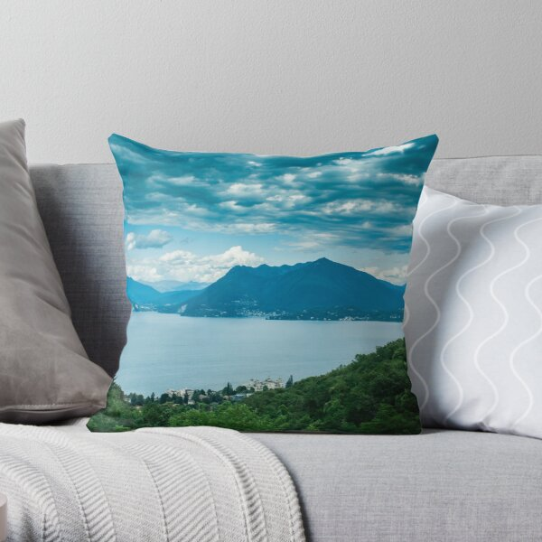 lago maggiore (001) Throw Pillow