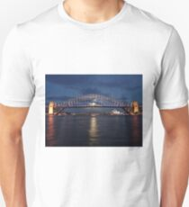 Moon rise over Sydney Unisex T-Shirt
