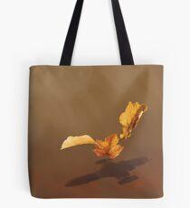 Blätter im Wind Tote Bag