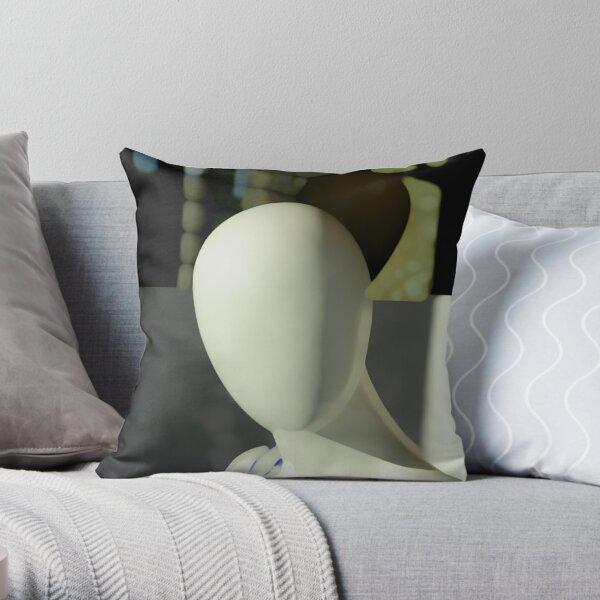 MADELEINE N°7 Throw Pillow