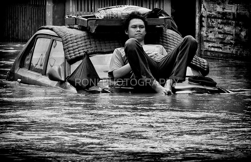 Just Enjoy by RONI PHOTOGRAPHY