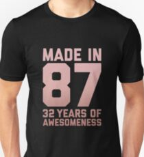 32nd Birthday Gift Adult Age 32 Year Old Women Mom Auntie Slim Fit T-Shirt