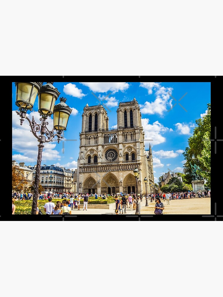 Notre Dame Cathedral by jonathanptk