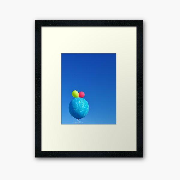 Onyuzbin baloncuk Framed Art Print