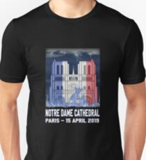 Notre Dame Cathedral in Paris on fire 15th april 2019 T-Shirt French Cathedral Slim Fit T-Shirt