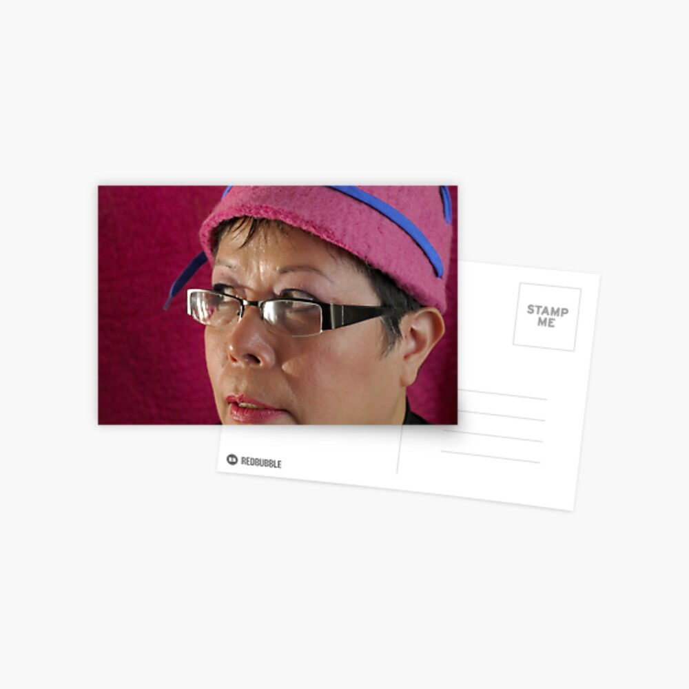 (524) Cloche with shoelaces (card) Postcard