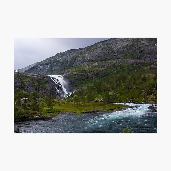 Wasserfall Nykkjesøyfossen bei Kinsarvik in Norwegen / Skandinavien Fotodruck
