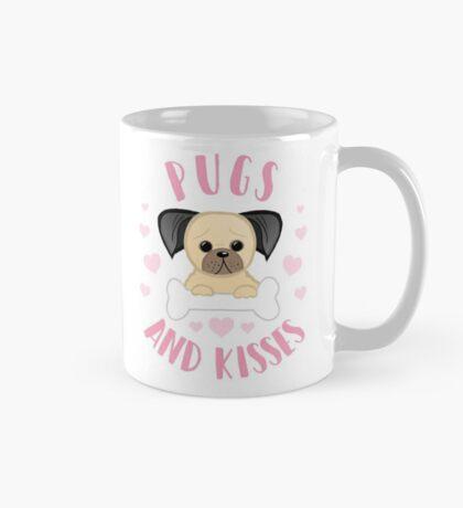 Pugs and Kisses - Pug Pun - Valentines Pun - Funny Valentines - Dog Pun - Dog Mum - Dog Mum - Pug Mum - Pug Mom Mug
