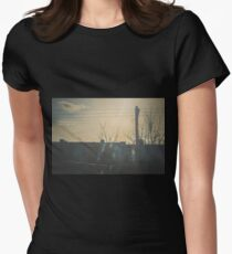 """""""There is a crack in everything. That's how the light gets in.""""  ~ Leonard Cohen Women's Fitted T-Shirt"""