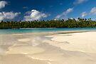 Tekopua Island - Aitutaki by Michael Treloar