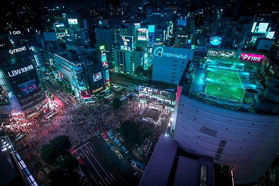Shibuya crossing from above by Guillaume Marcotte
