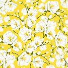 Weiße Freesien auf gelbem Grund. von lents
