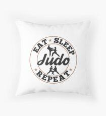 Eat Sleep Judo Repeat - Cooles lustiges nerdy Comic Graphic Judo Judoka Judotrainer Judoschule Trainer  Verein Club Team Humor Spruch Sprüche Zitate Geschenk Geschenkidee Bodenkissen