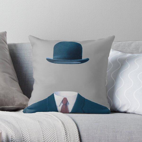 Homme dans un chapeau melon par René Magritte, oeuvre pour impressions, affiches, t-shirts, sacs, hommes femmes, enfants Coussin