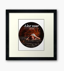 Live your dreams t-shirt Framed Print