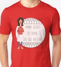 Camiseta unisex Mamá no se emborracha, solo se divierte - Linda Belcher