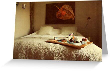 Breakfast in bed... by Yool