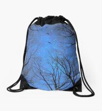 Eine gewisse Dunkelheit wird benötigt (Nacht Bäume Silhouette) Turnbeutel