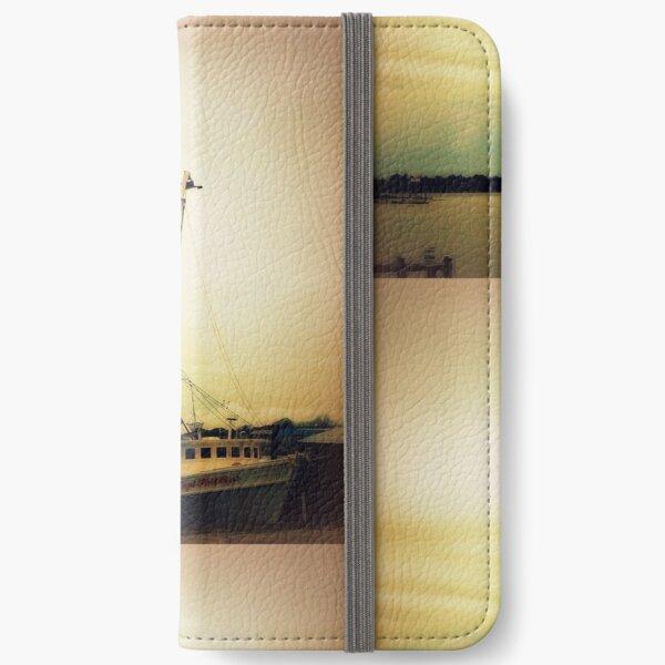 Captain Phillips iPhone Wallet
