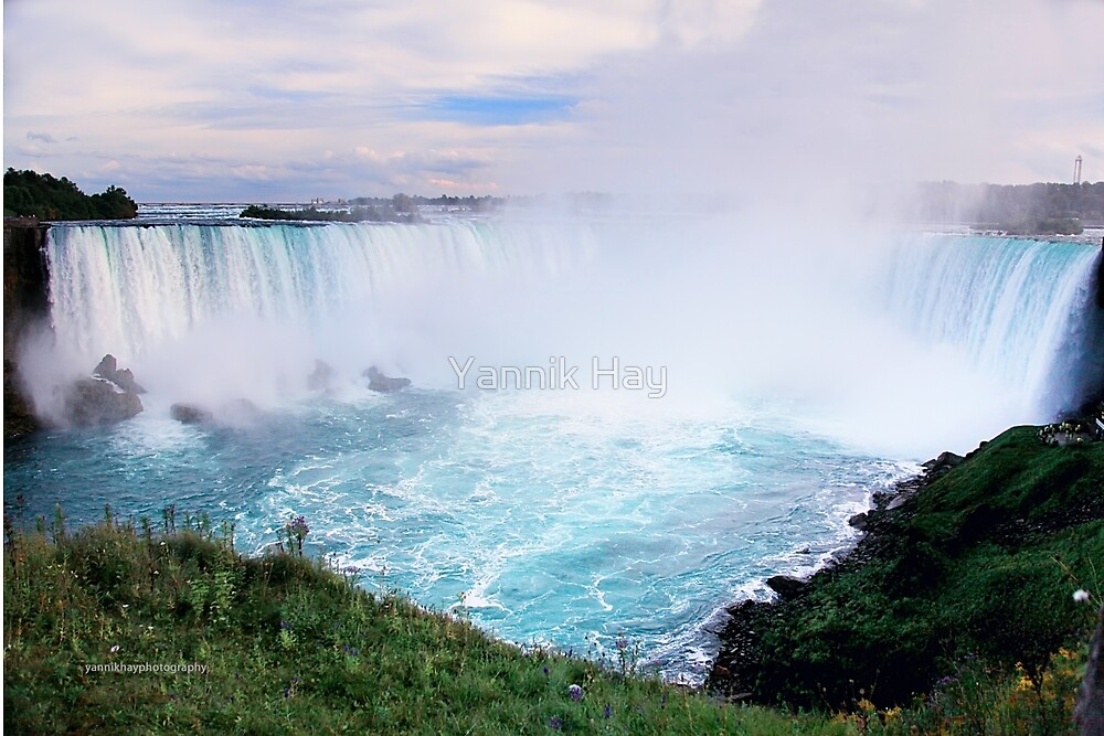 Horseshoe View, Niagara Falls by Yannik Hay