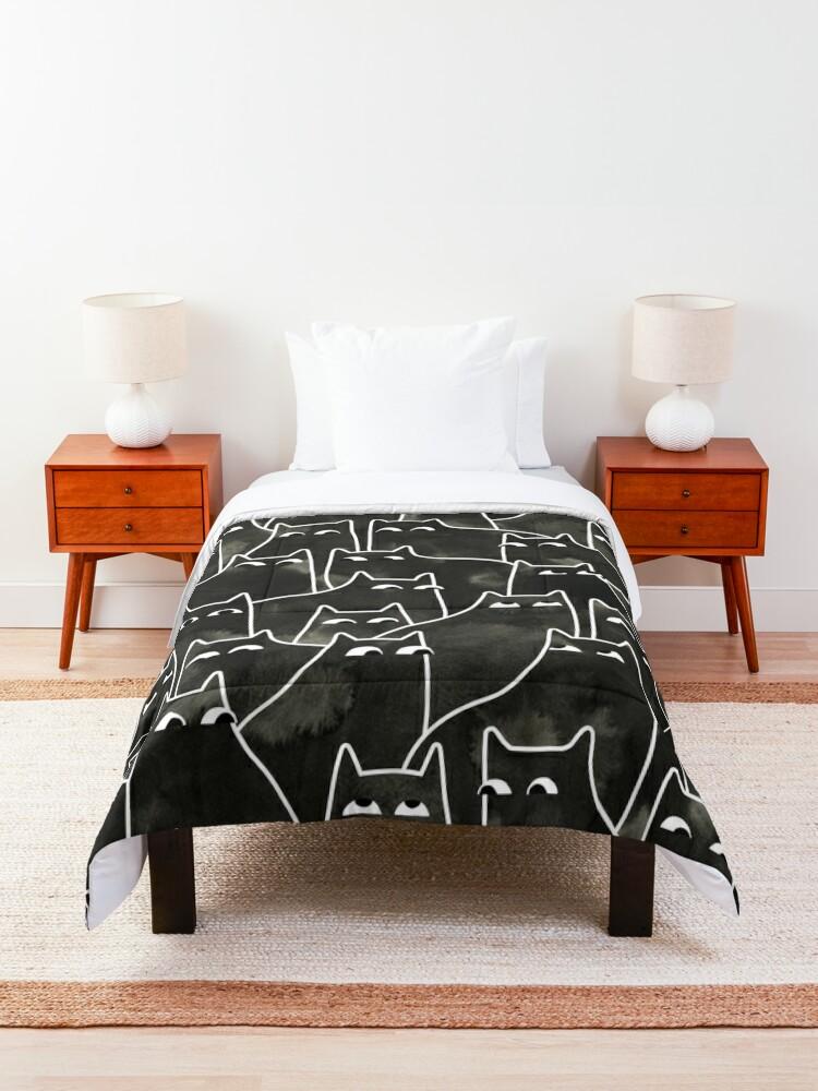 Alternate view of Suspicious Cats Comforter