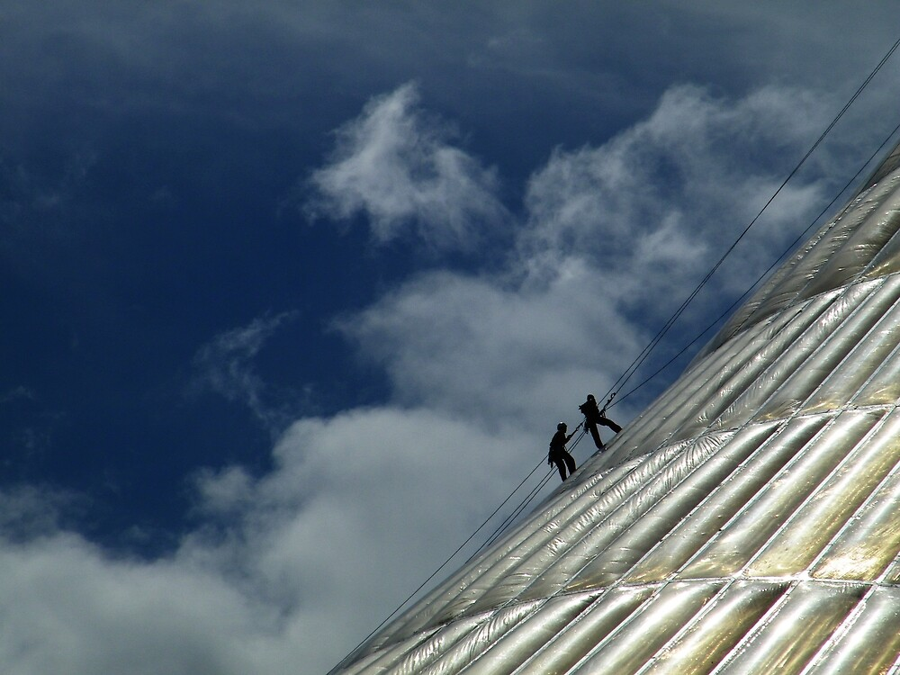 Climbing the World's Biggest Tent by KZBlog