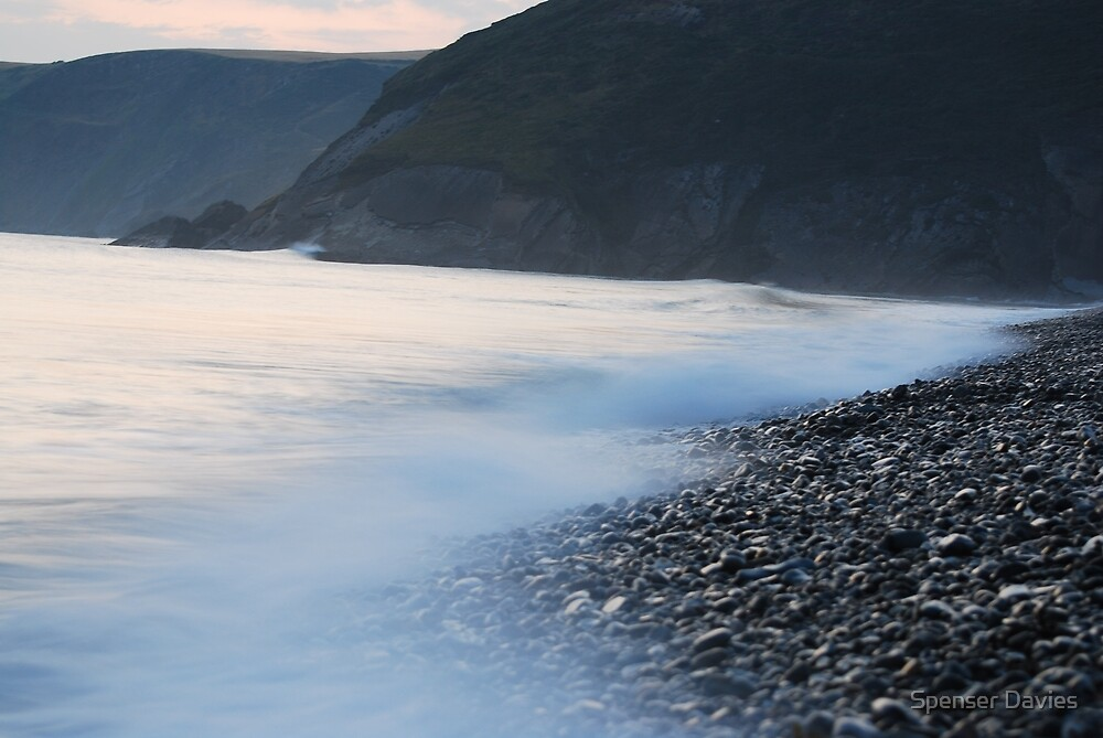 Newgale, high tide by Spenser Davies