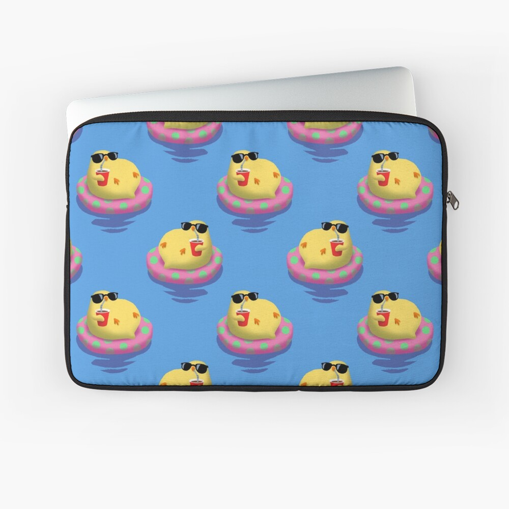 Chick on vacation Laptop Sleeve