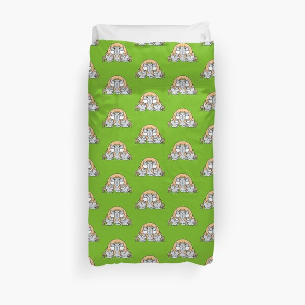 Erik the phant that want to be the king Duvet Cover