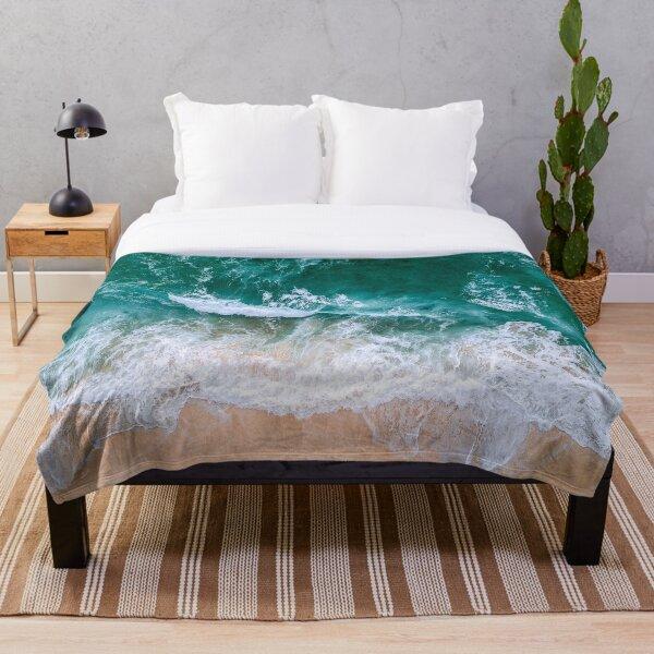 OCEAN AND BEACH Throw Blanket