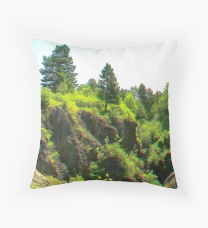 Úrkút [3d anaglyph] Throw Pillow
