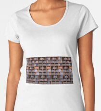 State Dependent Family (version 2.0) Premium Scoop T-Shirt