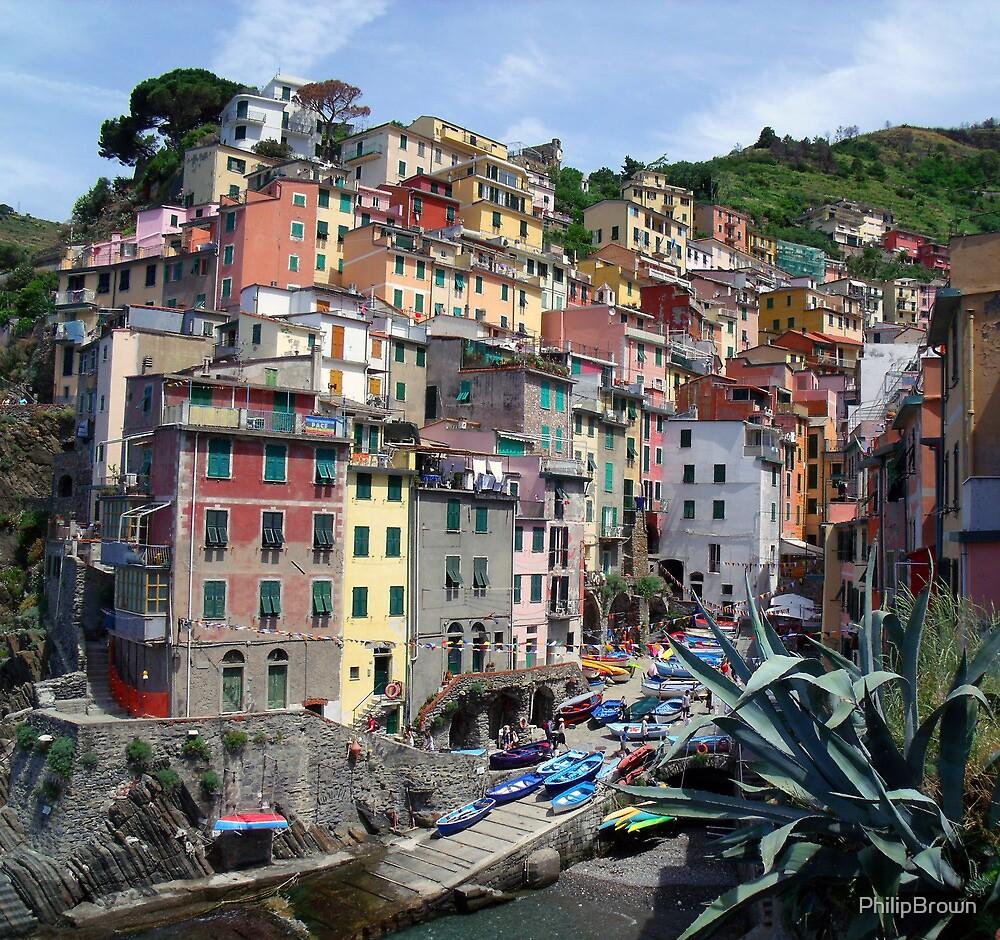Riomaggiore, Italy by PhilipBrown