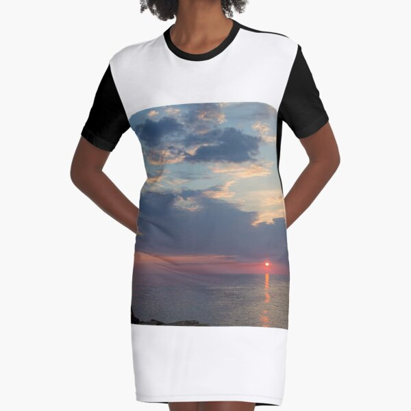 Watching the sunset Graphic T-Shirt Dress