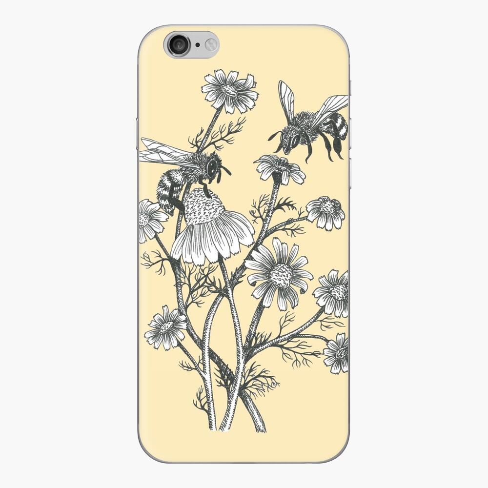 Bienen und Kamille auf Honig Hintergrund iPhone-Hüllen & Cover