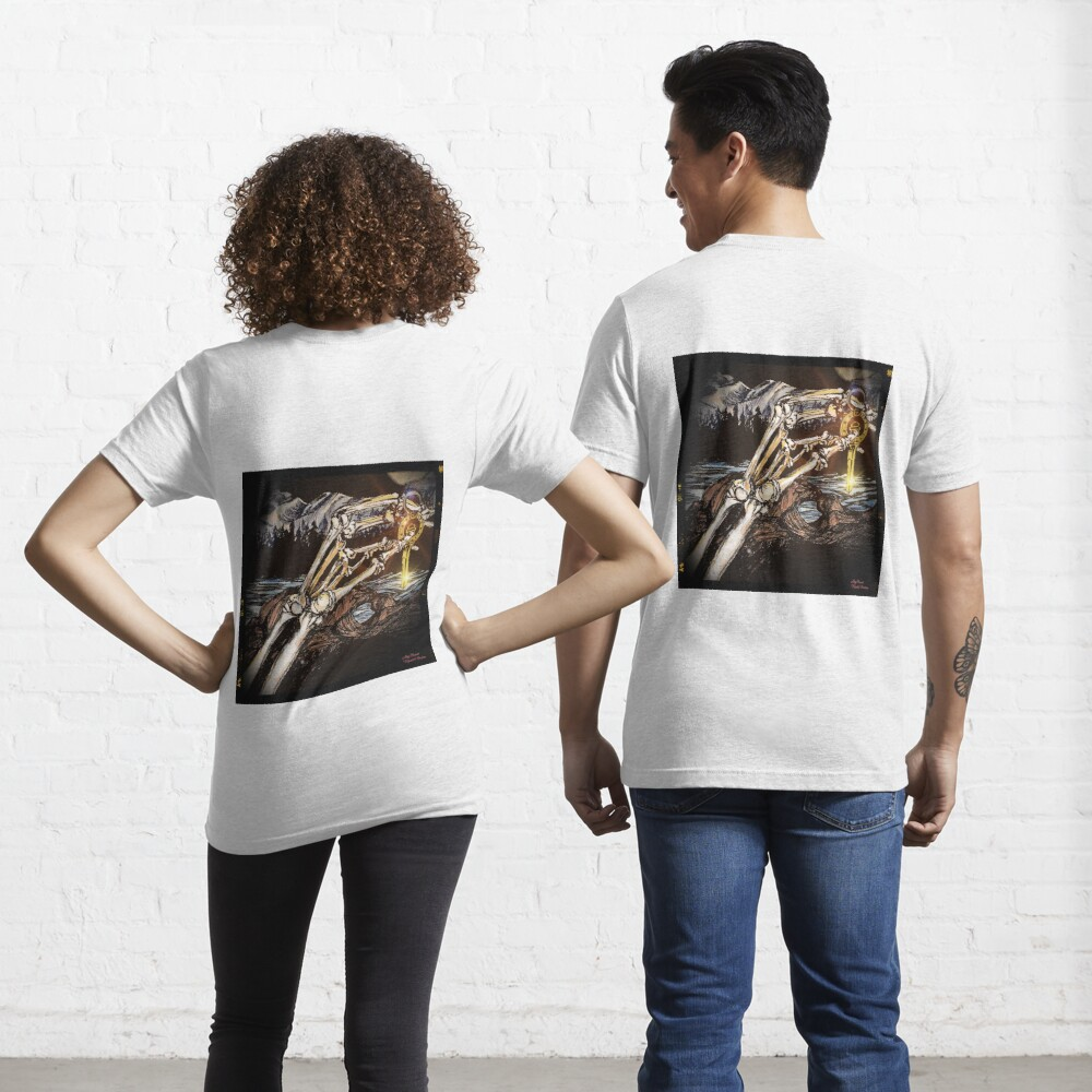 Kissing Camels Midnight Ride Essential T-Shirt