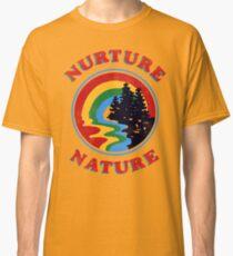 Camiseta clásica Nurture Nature Vintage Environmentalist Design