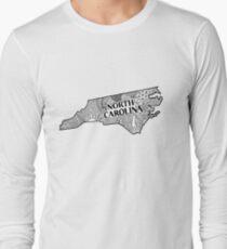 North Carolina State Gekritzel Langarmshirt