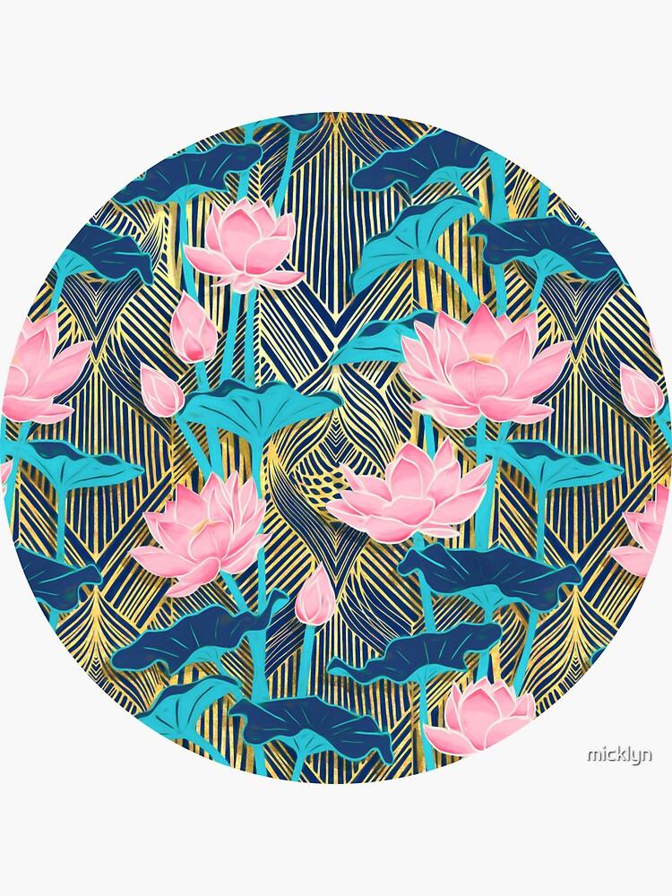 Art Deco Lotus Blumen in Pink & Navy von micklyn