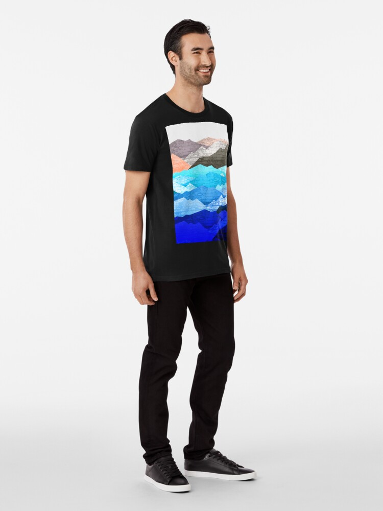 Alternate view of The mountains and the sea  Premium T-Shirt