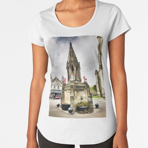 the Bruce Fountain, Falkland , Fife, Scotland  Premium Scoop T-Shirt