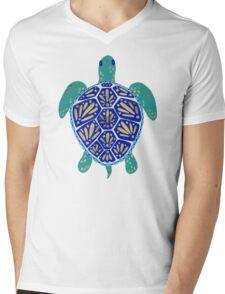 Sea Turtle – Navy & Gold Mens V-Neck T-Shirt