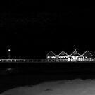 Ein langer Pier ... von Angelika  Vogel